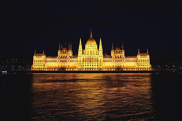 parlament v noci